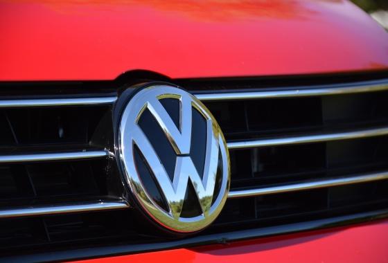 Volkswagen AG emissions scandal worsens